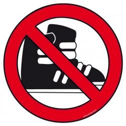 Interdit aux chaussures de ski